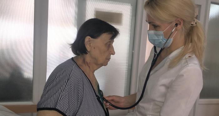Галина Корнієнко (зліва) наразі почувається добре