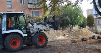 У Ковелі ремонтують чотири прибудинкові території і дві дороги