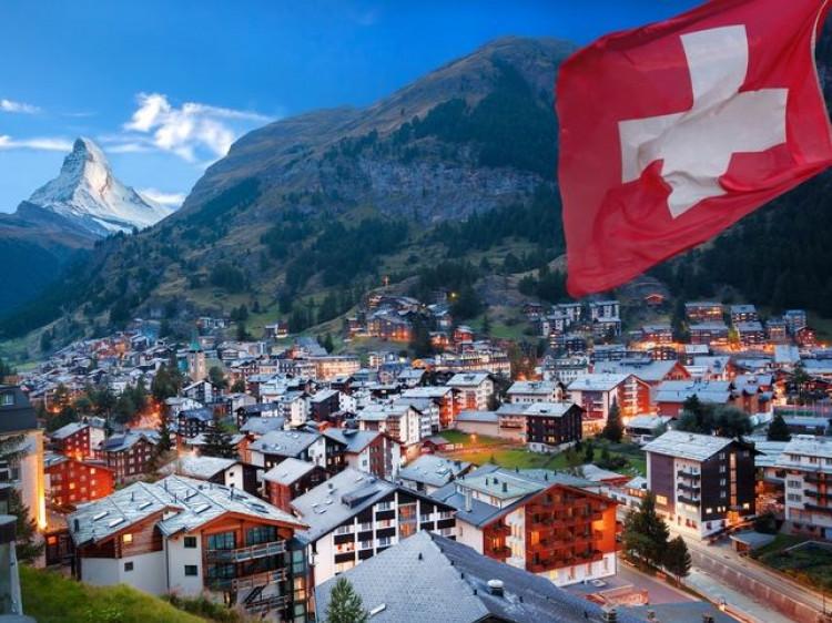 Ковельські комунальники дорікнули місцевим «укропівцям» Швейцарією  / Фото ілюстративне