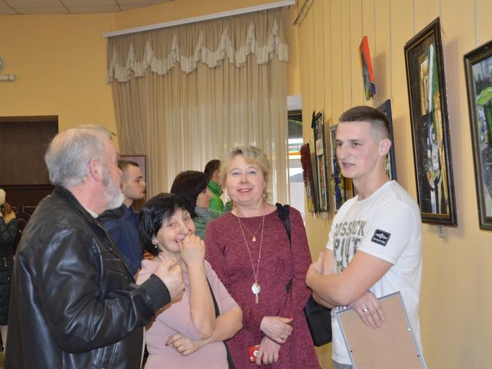У Ковелі свою творчість на військову тематику представив художник Павло Юрчук