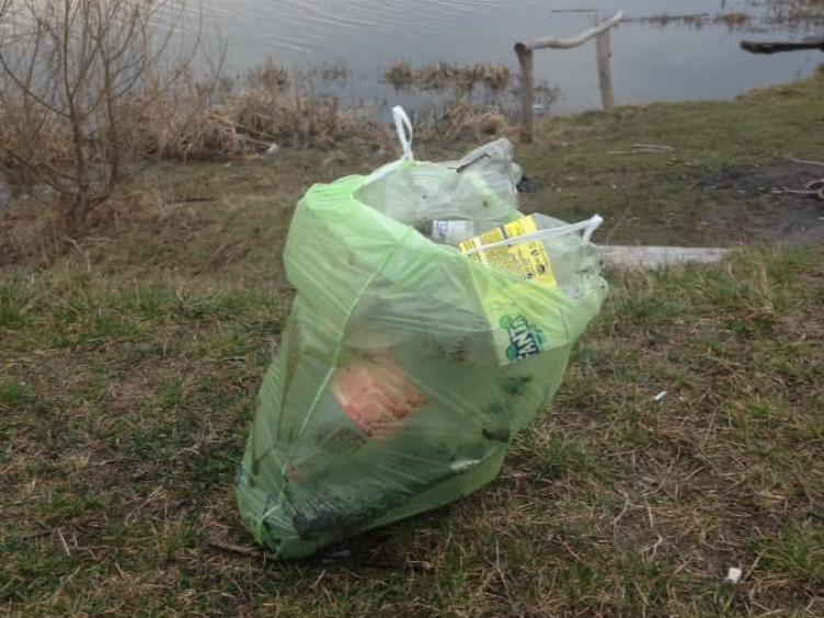 Ковельська Турія та її береги всіяні пластиком