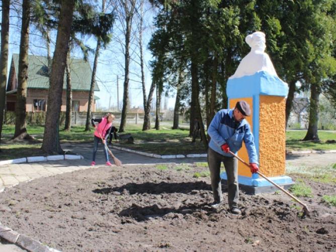 Колодяжне: у селі відбулося весняне прибирання