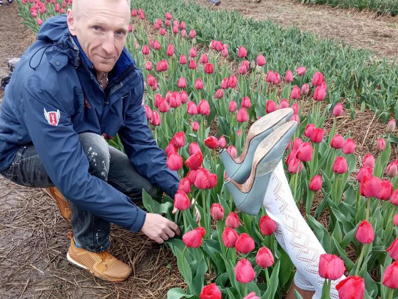 «Знайшов сексуально-квіткове поле», – марафонець з Ковеля на тюльпановому фестивалі