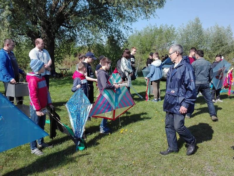 Учні школи №10 перемогли у змаганнях з запуску повітряних зміїв