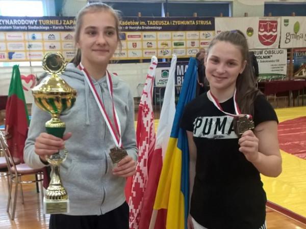 Юні ковельські борчині здобули перше місце у Польщі