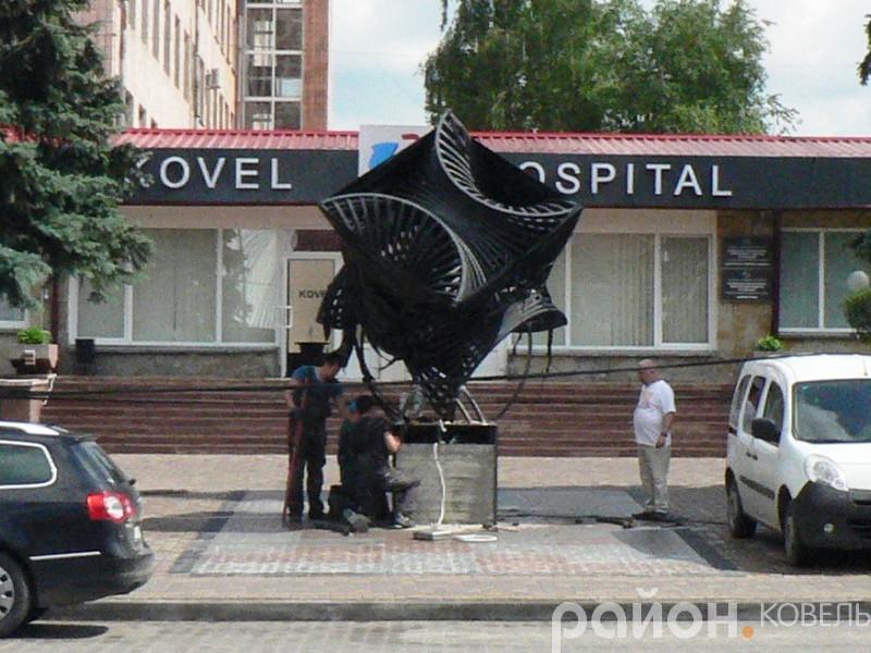 У Ковельському медичному об'єднанні встановили скульптуру за пів мільйона гривень