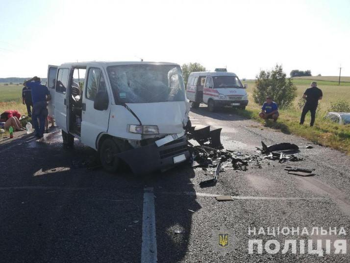 Біля Уховецька в ДТП загинув поляк, семеро постраждали