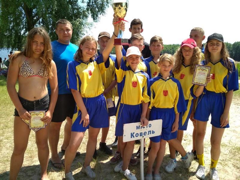 Ковельські школярі здобули перемогу на фестивалі «Нащадки козацької слави»