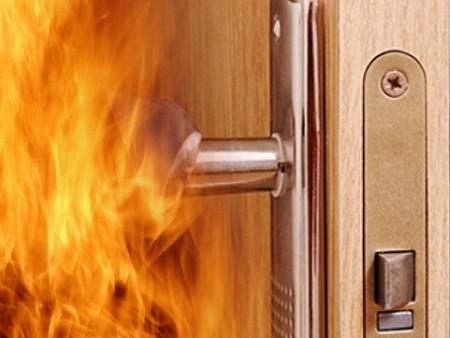 У Ковелі горіли двері однієї з квартир / Фото ілюстративне