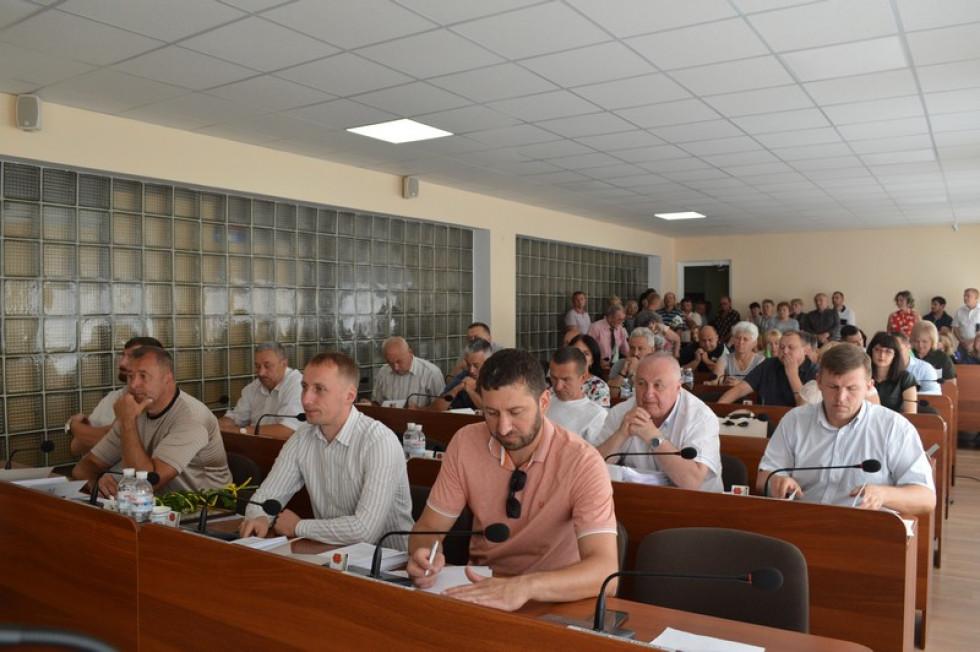На засіданні були присутні депутати міськради та мешканці міста