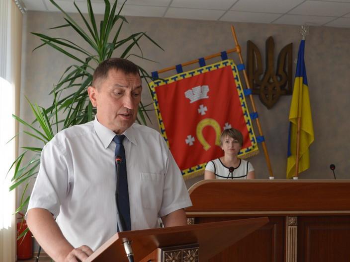 Олег Кіндер під час виголошення промови