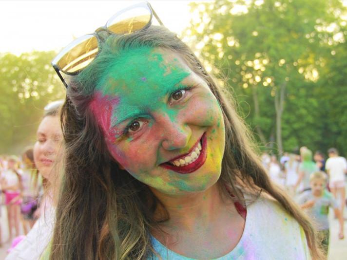 У Ковелі з великим успіхом провели фестиваль фарб Холі