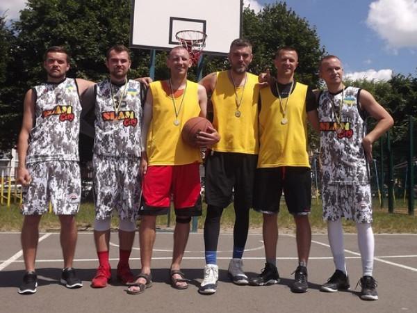«Корифей» у Ковелі став переможцем турніру зі стрітболу