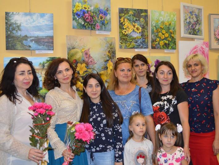 У Ковелі відкрилася літня виставка картин