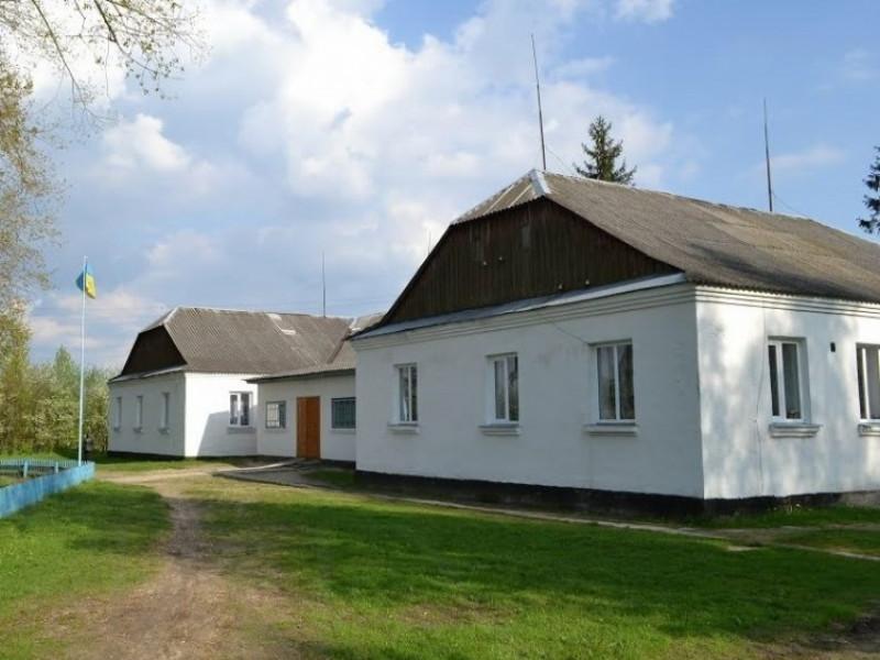 Школа у селі Облапи