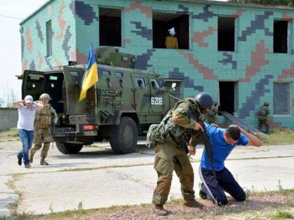 Підлеглі ковельського мера годували «терористів» / Фото ілюстративне