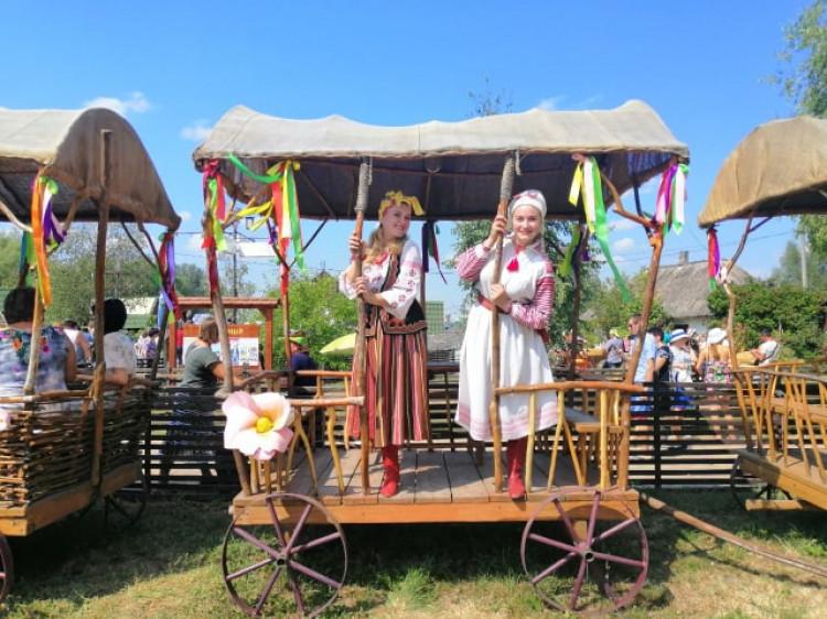 Гумористки з Колодяжного виступили на Сорочинському ярмарку на Полтавщині