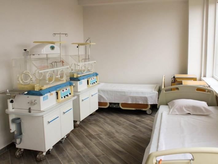 У Ковельському пологовому будинку відремонтували відділення для матусь та новонароджених