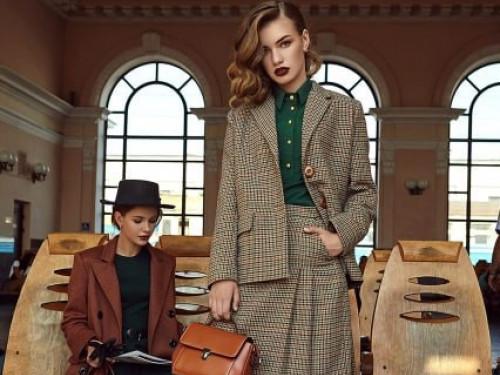 На Ковельському вокзалі відбулася фотосесія дизайнерської колекції одягу