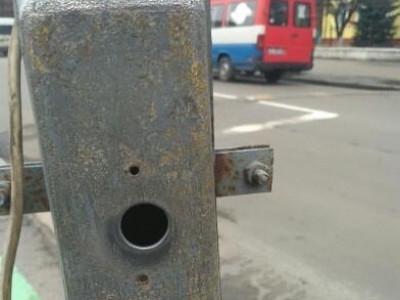 Кнопка для переходу через дорогу