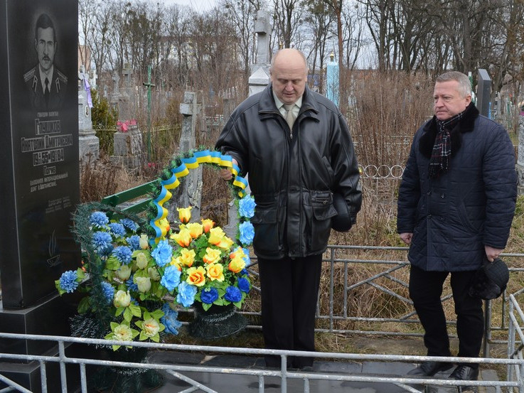 Вшанували «афганців», які поховані у Ковелі