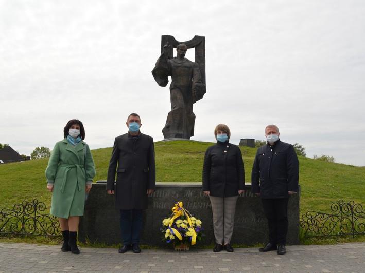 У Ковелі поклали квіти до монумента Тараса Шевченка