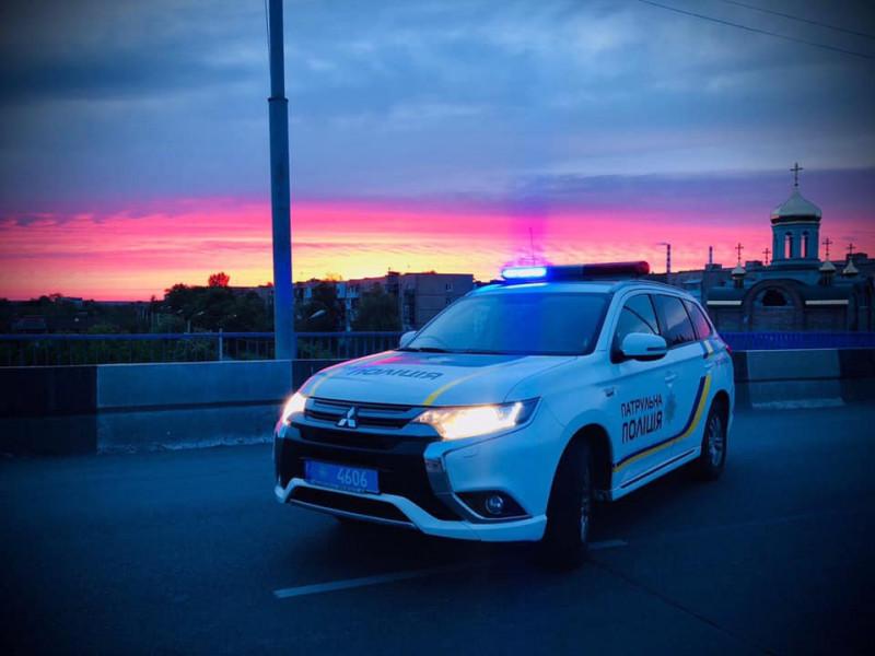 Ковельські поліцейські допомогли жінці, яка почала народжувати по дорозі до Луцька