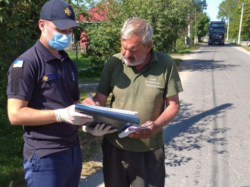 У селах Облапи та Мислина рятувальники нагадали правила пожежної безпеки