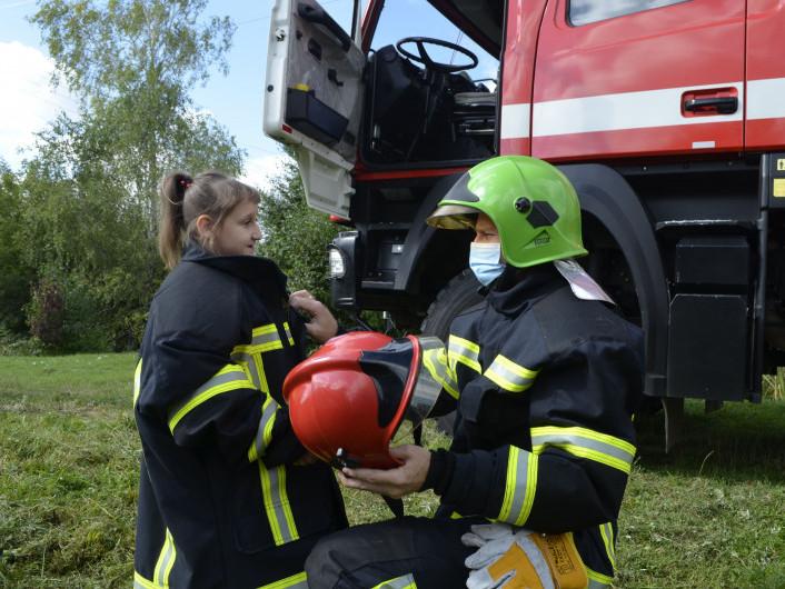 Ковельські рятувальники здійснили мрію маленької дівчинки з Облап