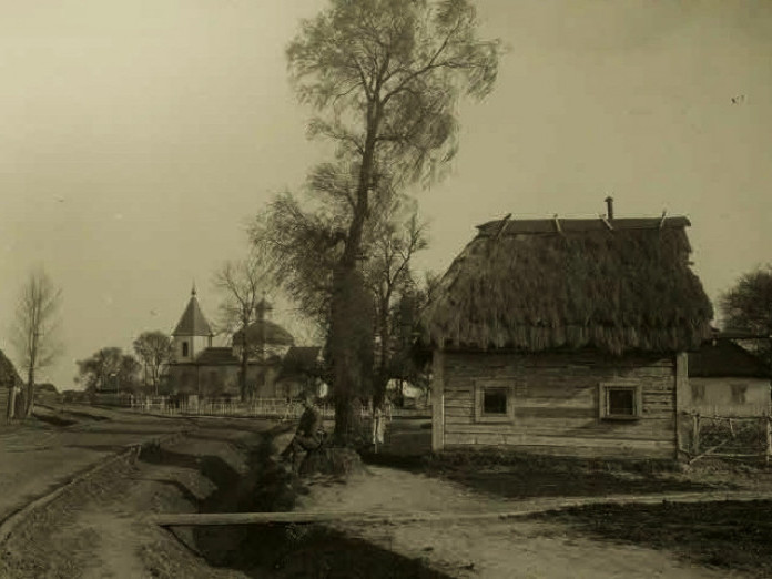 Центр села Поворськ