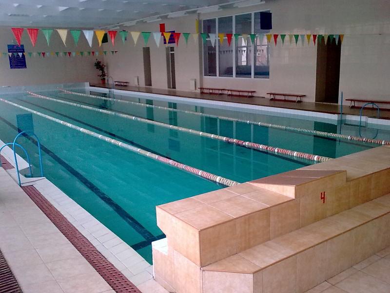 Спортивний басейн