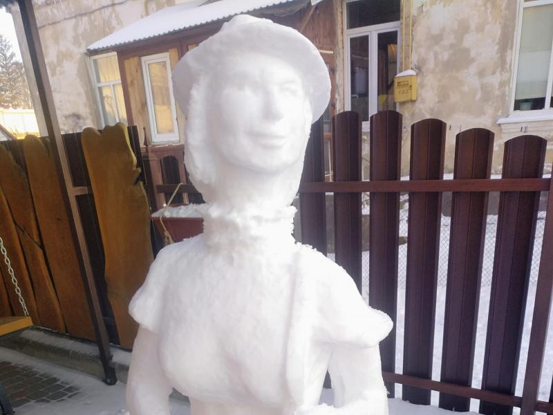 Скульптура із снігу