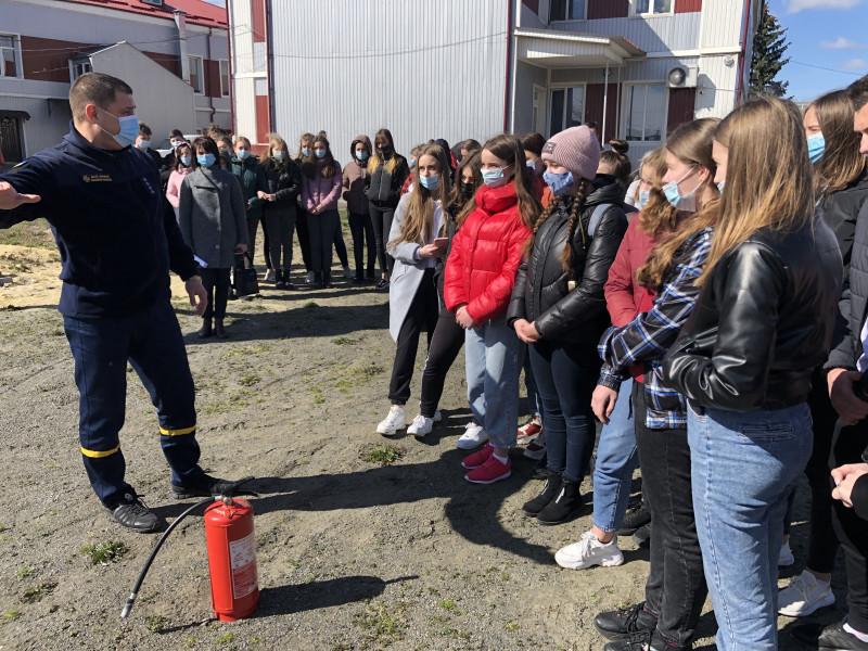 Рятувальники провели навчання у Ковельському медколеджі