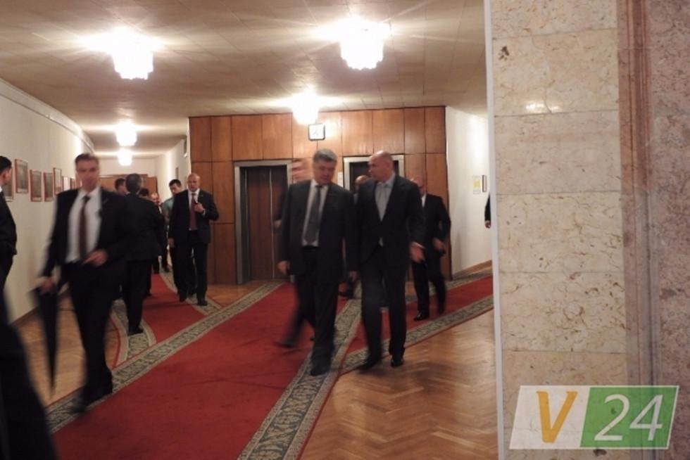 До візиту на Волинь президента Петра Порошенка Ігор Палиця не просто приїхав у робочі стіни, а єдиний раз у статусі голови облради одягнув краватку