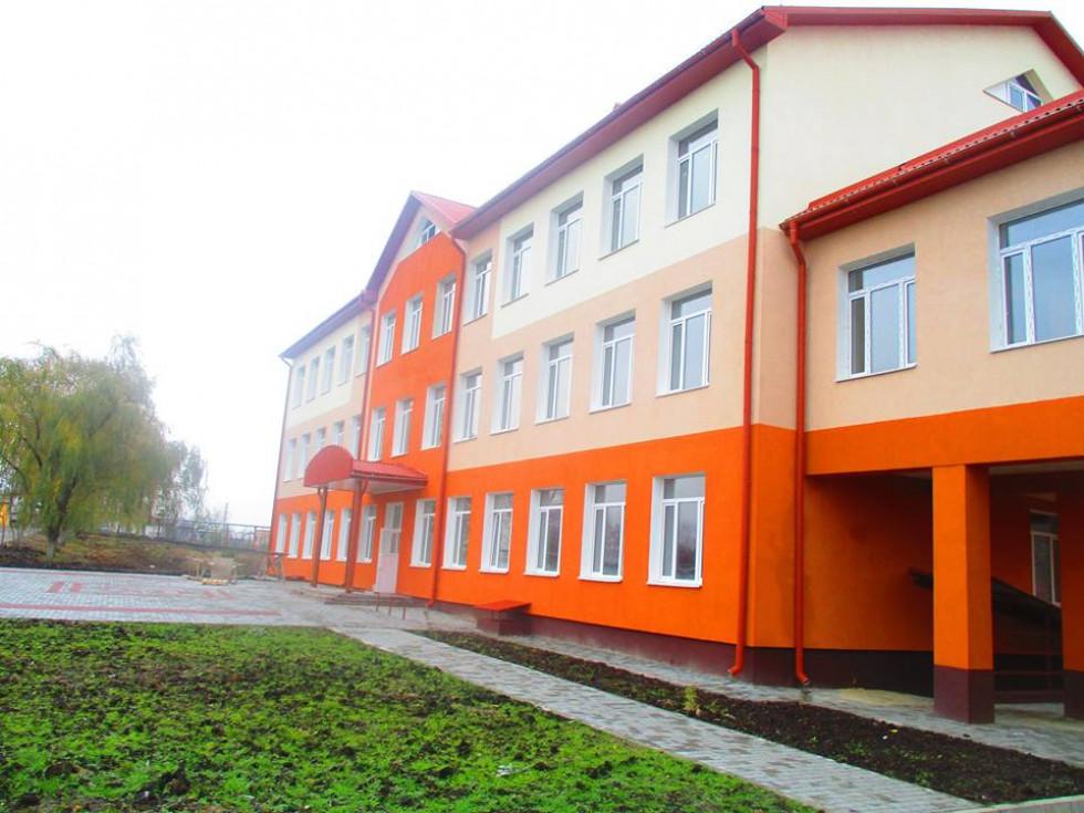 Збудований корпус школи у селі Вербка