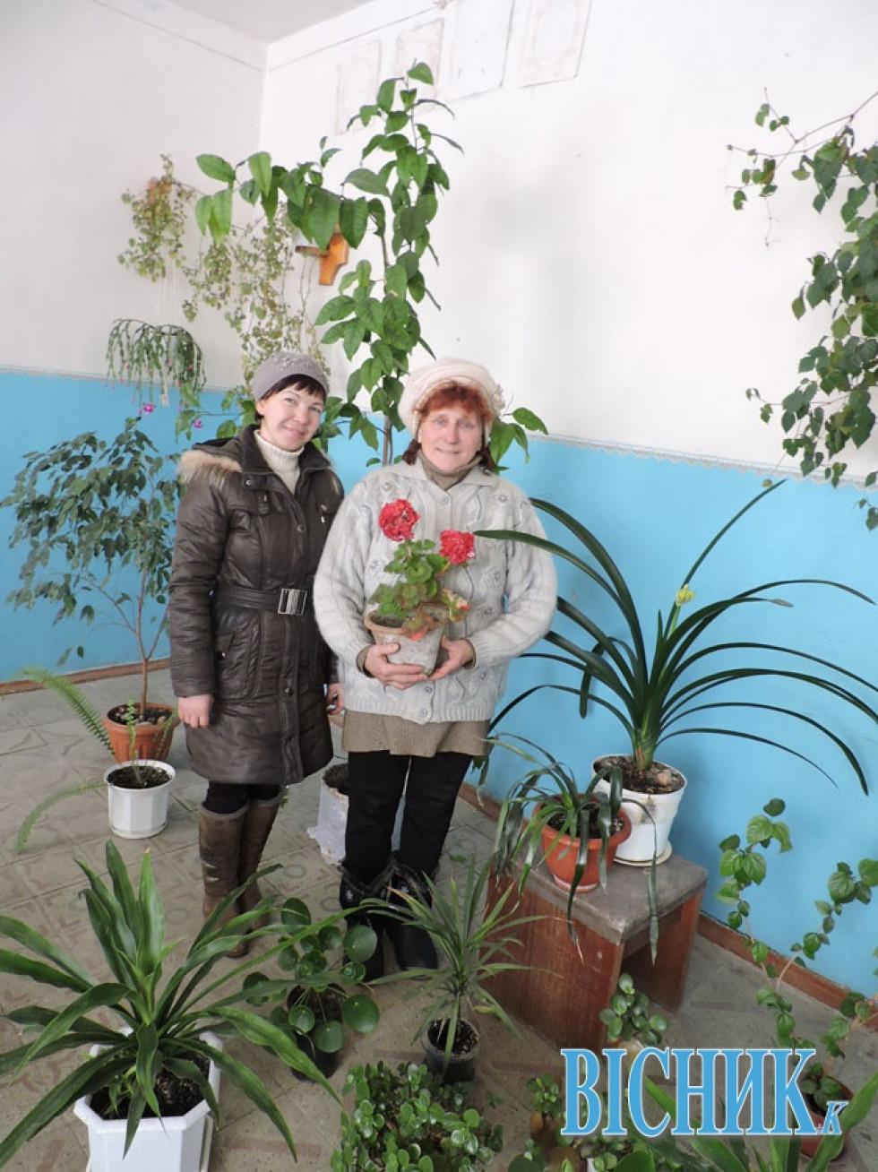 ВіраЦибуковська (справа) та підмінн алистоноша Сніжана Мороз