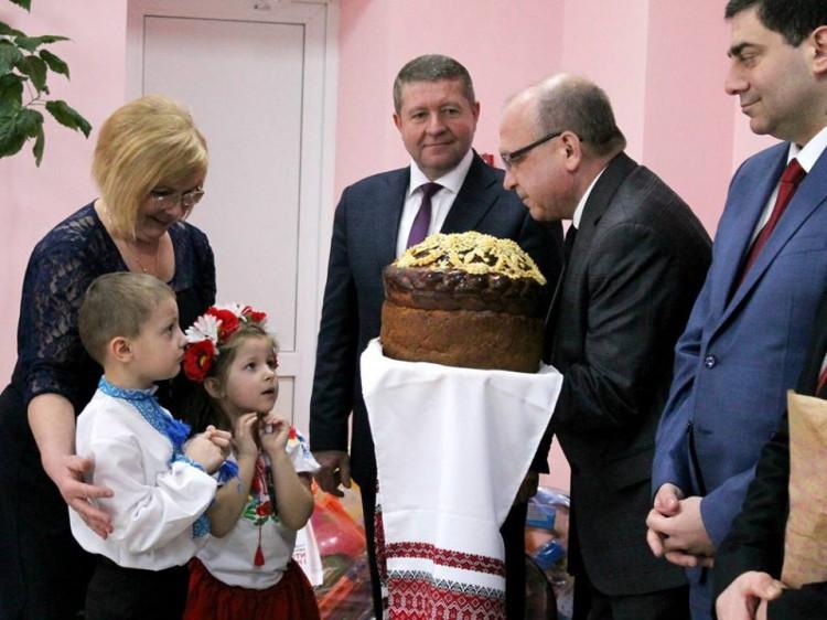 Олена Філіпчук з колишнім головою Волинської ОДА