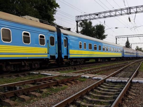 До свят призначили додаткові потяги до Київ-Ковель