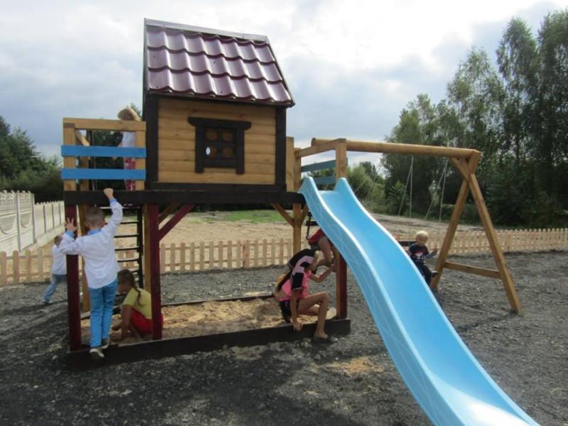 Дитячий майданчик у селі Городище