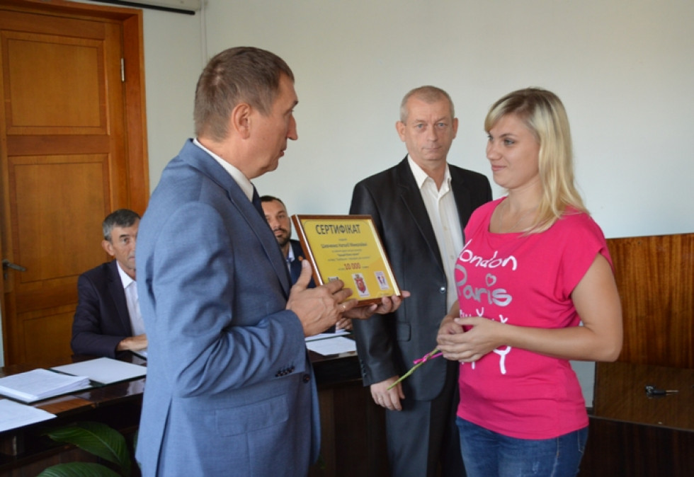 Вручення сертифікату Наталіі Шевченко