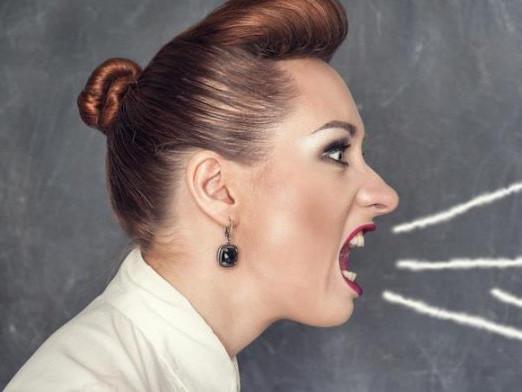 Вчитель кричить. Фото ілюстративне
