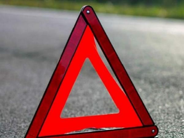 У селі Новий Мосир автомобіль збив 10-річну школярку