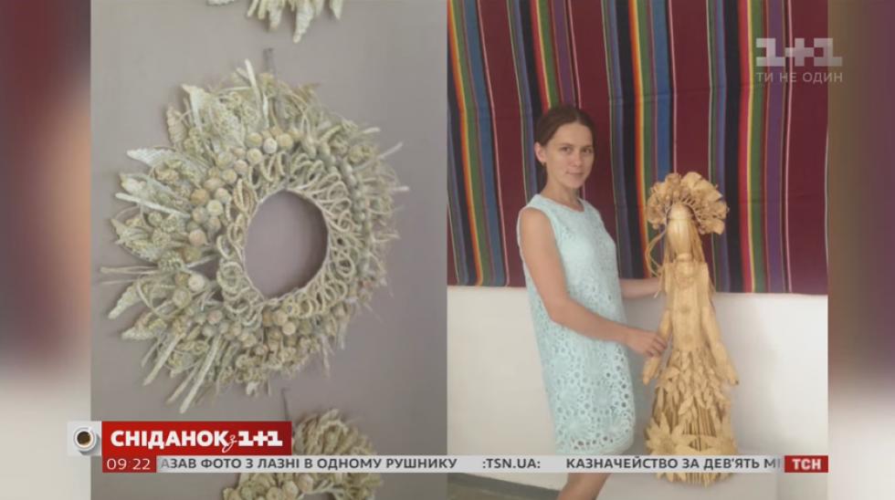 Інна Чонка 15 років займається плетінням виробів із соломи