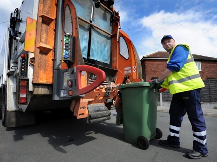 Мешканців Дубівської громади попереджають про велику заборгованість за вивезення сміття