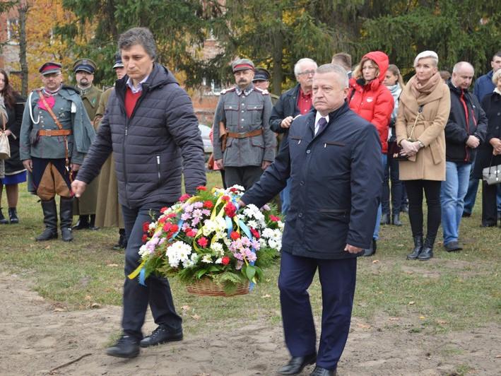 У Ковелі освятили оновлений Хрест пам'яті жертвам тоталітарного режиму