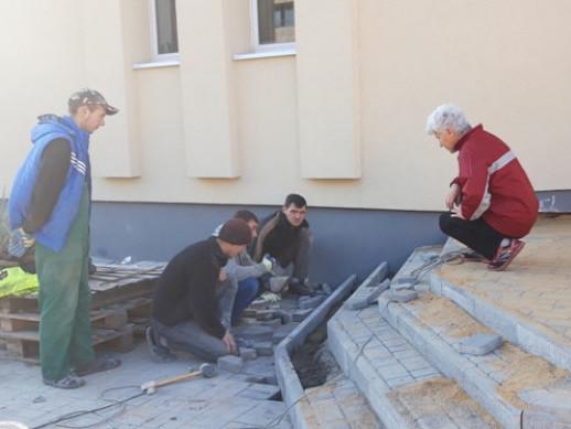 У ковельській дитячо-юнацькій спортивній школі завершують ремонт будівлі і благоустрій