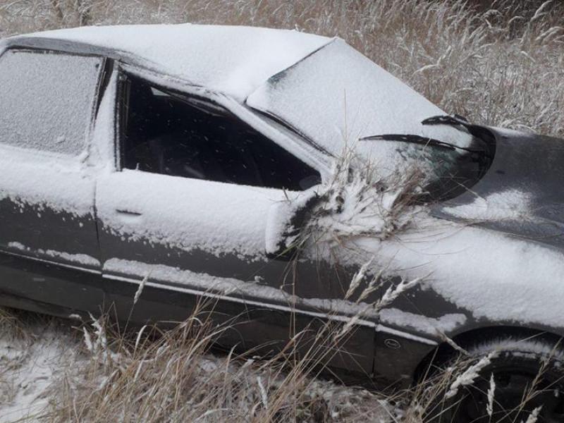 На Ковельщині через негоду авто злетіло у кювет