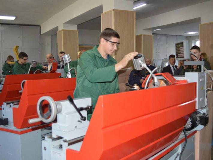 У Ковельському ліцеї відкрили центр із обробки металів