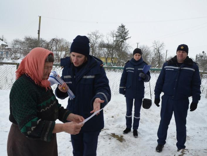 На Ковельщині рятувальники нагадали селянам правила безпеки у побуті