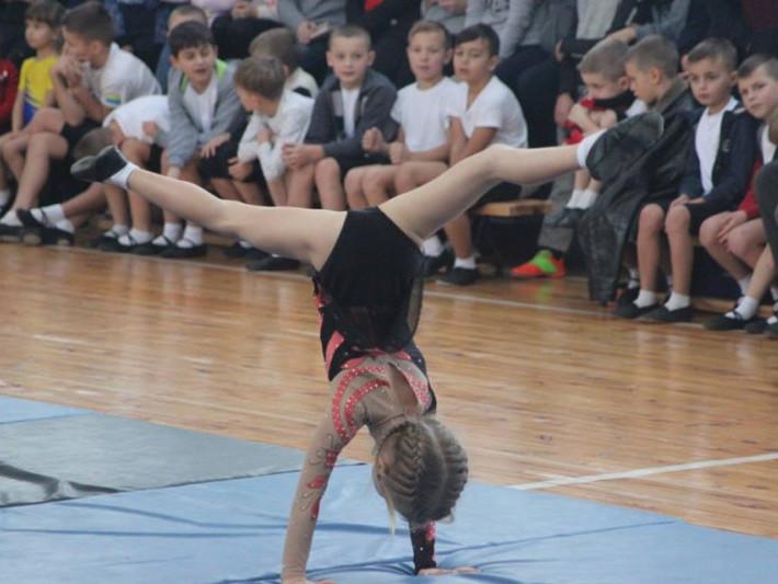Білин: відбувся турнір зі спортивної акробатики